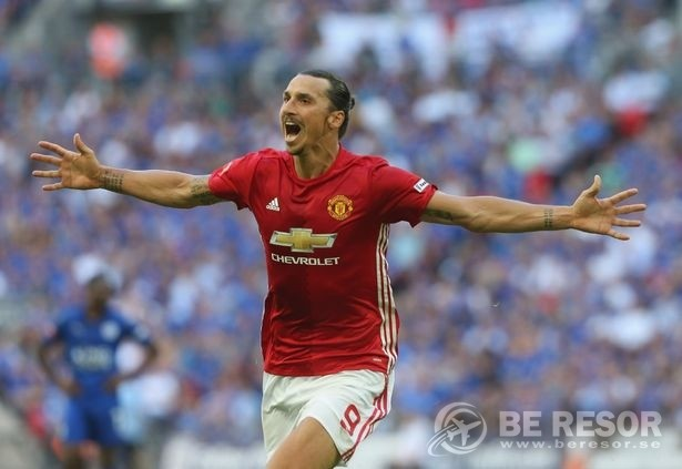 Zlatan Man United 3