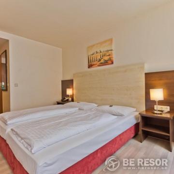 Astor Hotel 4