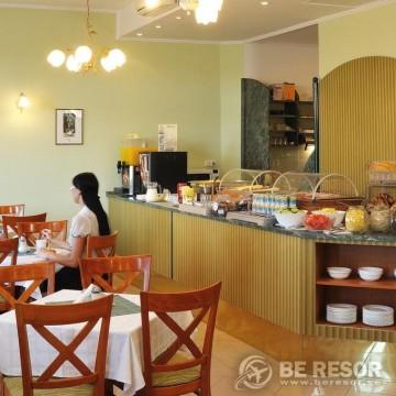 Baross City Hotel 3