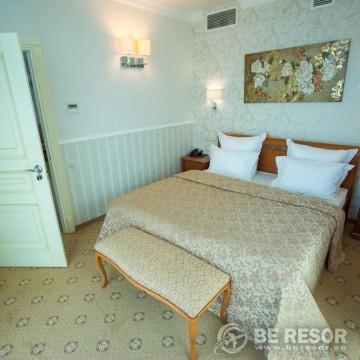 El Paraiso Hotel 5