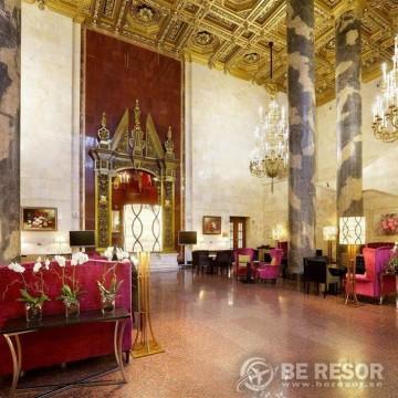 Hilton Moscow Leningradskaya 4