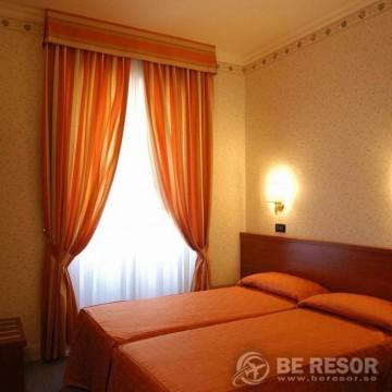 Hotel Dina 4