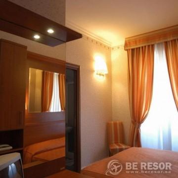 Hotel Dina 5