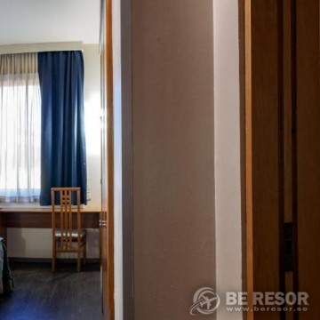 Hotel President 5