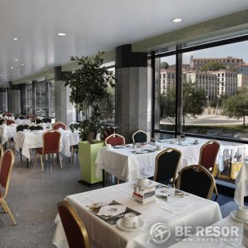 Mundial Hotel Lissabon 9