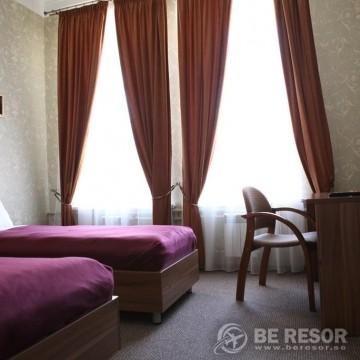 Na Dvoryanskoy Hotel 5