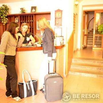 Ostas Hotel - Prag 3