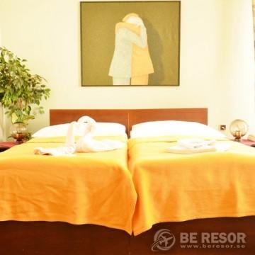 Ostas Hotel - Prag 5