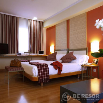Tirol Hotel 5