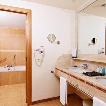 vanity-hotel-suite-006